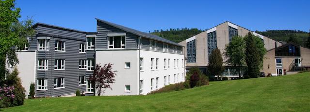 Haus der Begegnung und Dreifaltigkeitskirche des Bergklosters Bestwig