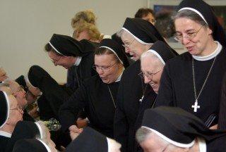 Groß war die Schar der Gratulantinnen nach dem offiziellen Teil. Dazu gehörten rund 100 Mitschwestern und auch die Placida-Gemeinschaft. Foto: SMMP/Bock
