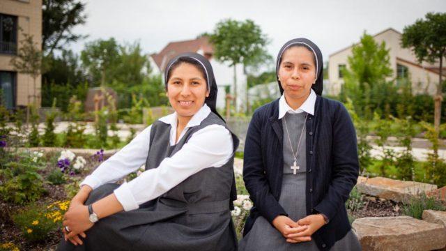 Nach vier Jahren Ausbildung in Deutschland gehen Schwester Soledad Castillo Miranda (links) und Schwester Guadalupe Céspedes wieder in ihre Heimat Bolivien. (Foto: SMMP/Beer)