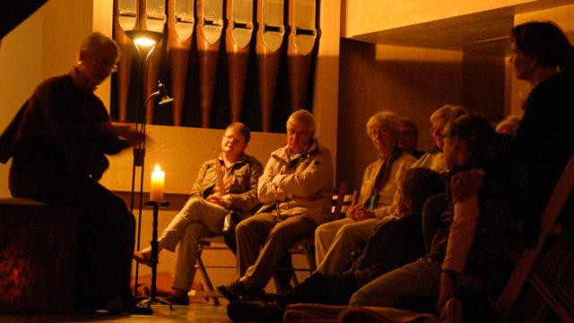 Die ausgebildeten Bibelerzählerinnen und -erzähler präsentieren an verschiedenen Orten der Kirche Geschichten aus der Heiligen Schrift. (Foto: SMMP/Bock)