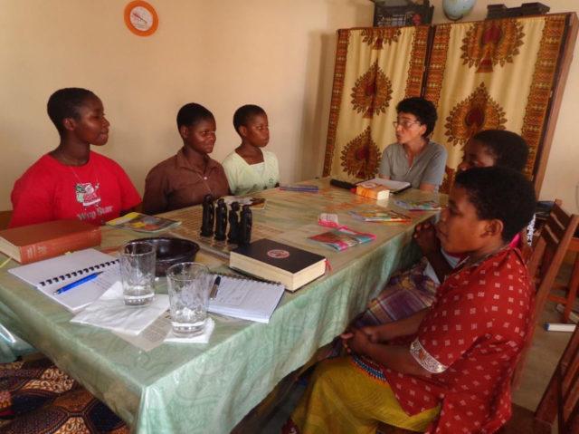 Gruppenarbeit zum Thema Gemeinschaft. (Foto: Lehmeier/SMMP)