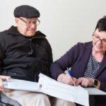 Annette-Longinus Nordhorn führte beim Tag der offenen Tür viele Gespräche mit künftigen Bewohner/innen, deren Angehörigen und Interessierten. Nur noch ein Zimmer ist frei. Foto: SMMP/Bock