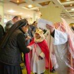 Zu den Gratulanten gesellten sich am Samstag auch die Heiligen Drei Könige aus der Gemeinde Bestwig. (Foto: SMMP/Beer)