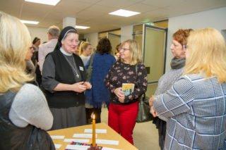 Auch Provinzoberin Schwester Johanna Guthoff stand Rede und Antwort. Foto: SMMP/Ulrich Bock