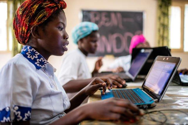 Ausbildung der Novizinnen durch Schwester Conceicao im Haus der Schwerstern in Cuamba, Provinz Niassa, Mosambik (Foto: Florian Kopp)