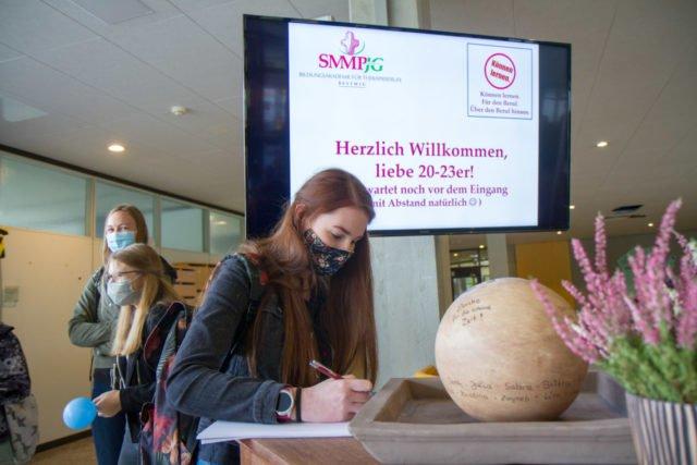 Herzlich willkommen! Seit Donnerstag hat die Bildungsakademie 247 Lernende. Foto: SMMP/Ulrich Bock