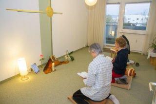 """Morgengebet im Schwesternkonvent: """"Kleiner heiliger Boden in der Platte"""". Foto: SMMP/Bock"""