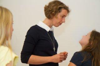 Schwester Ruth als Religionsunterricht. Den gibt sie zurzeit nur online. Foto: SMMP/Ulrich Bock