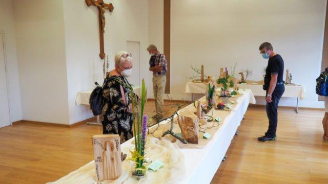 Auch die Ausstellung am Erfurter Dom besuchen viele Interessierte. Foto: SMMP/Sr. Maria Thoma Dikow